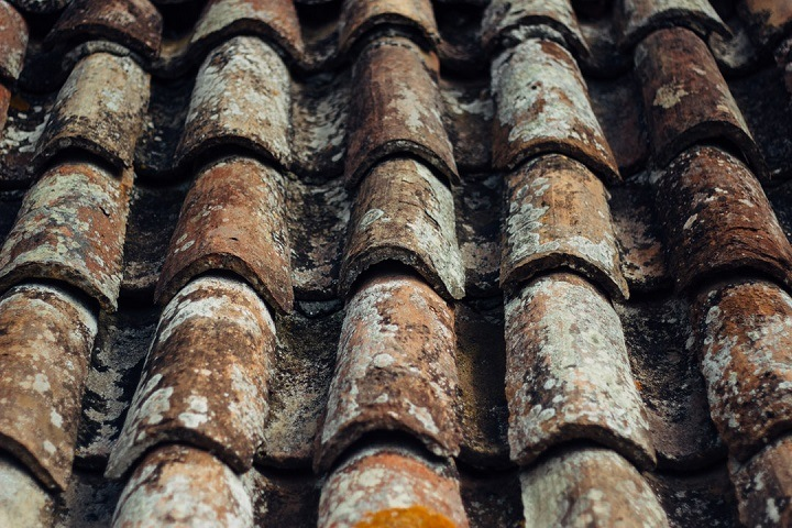 how to tell if you need a new roof