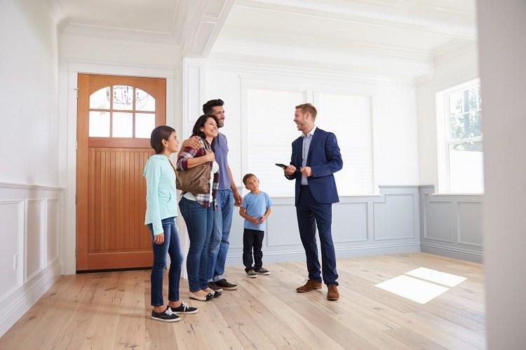 real estate broker vs agent