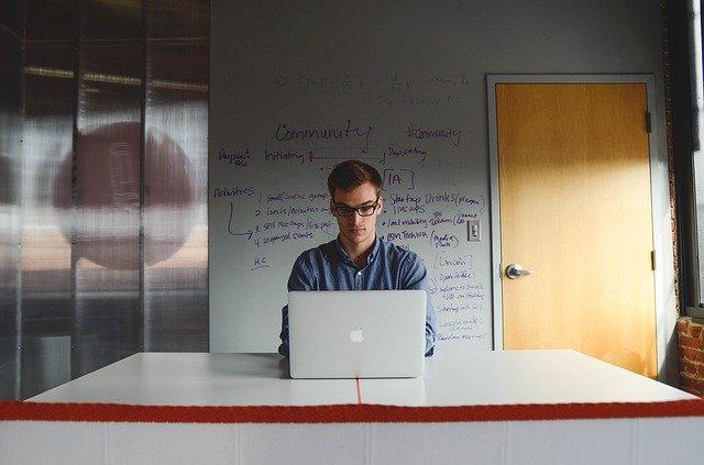 starting up a tech startup